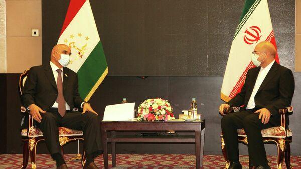 Глава Парламента Таджикистана в Тегеране встретился с председателем парламента Ирана Мухаммад Бокир Колибаф - Sputnik Тоҷикистон