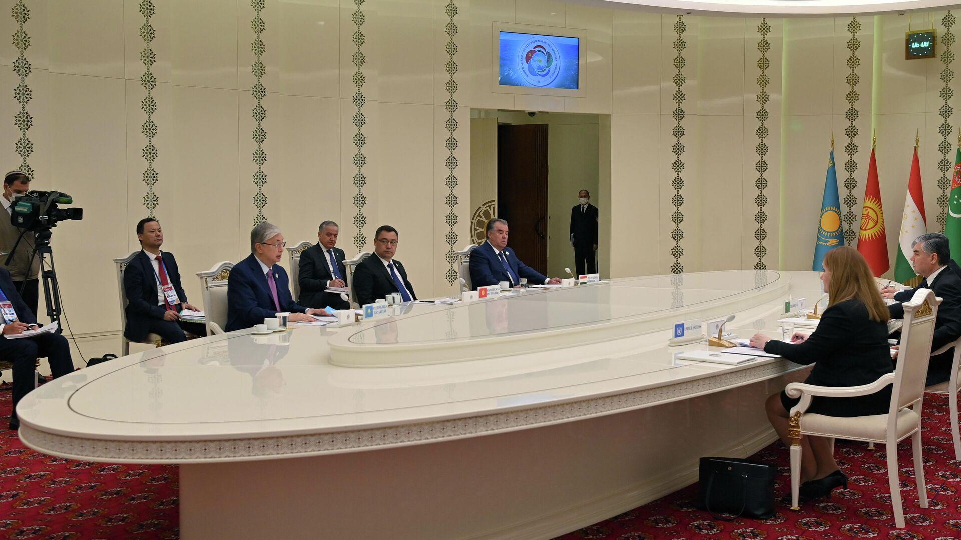 Саммит глав стран Центральной Азии в Туркменистане - Sputnik Таджикистан, 1920, 06.08.2021