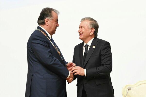 В рамках саммита у глав соседних государств была возможность пообщаться в неформальной обстановке. - Sputnik Таджикистан