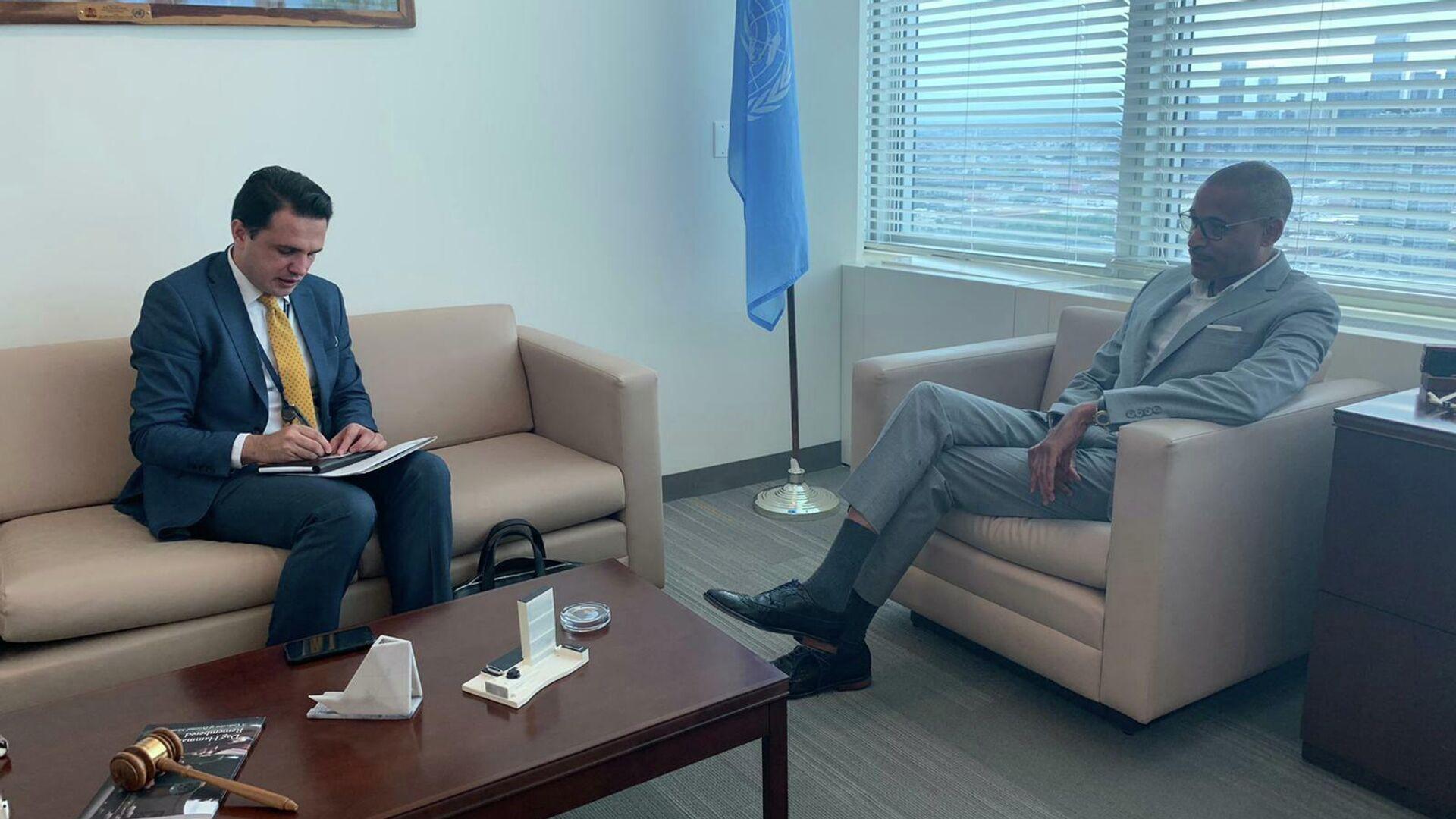 Постоянный представитель Таджикистана при ООН Джонибек Хикмат встретился с Куртенэ Рэттрей - Sputnik Тоҷикистон, 1920, 06.08.2021