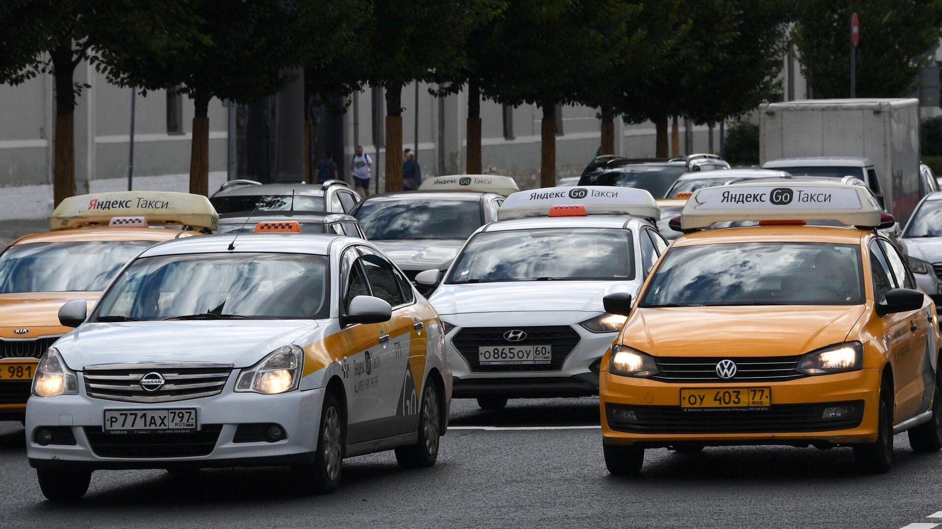 В Москве отложили мониторинг за таксистами - Sputnik Таджикистан, 1920, 09.08.2021