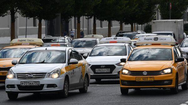 В Москве отложили мониторинг за таксистами - Sputnik Тоҷикистон