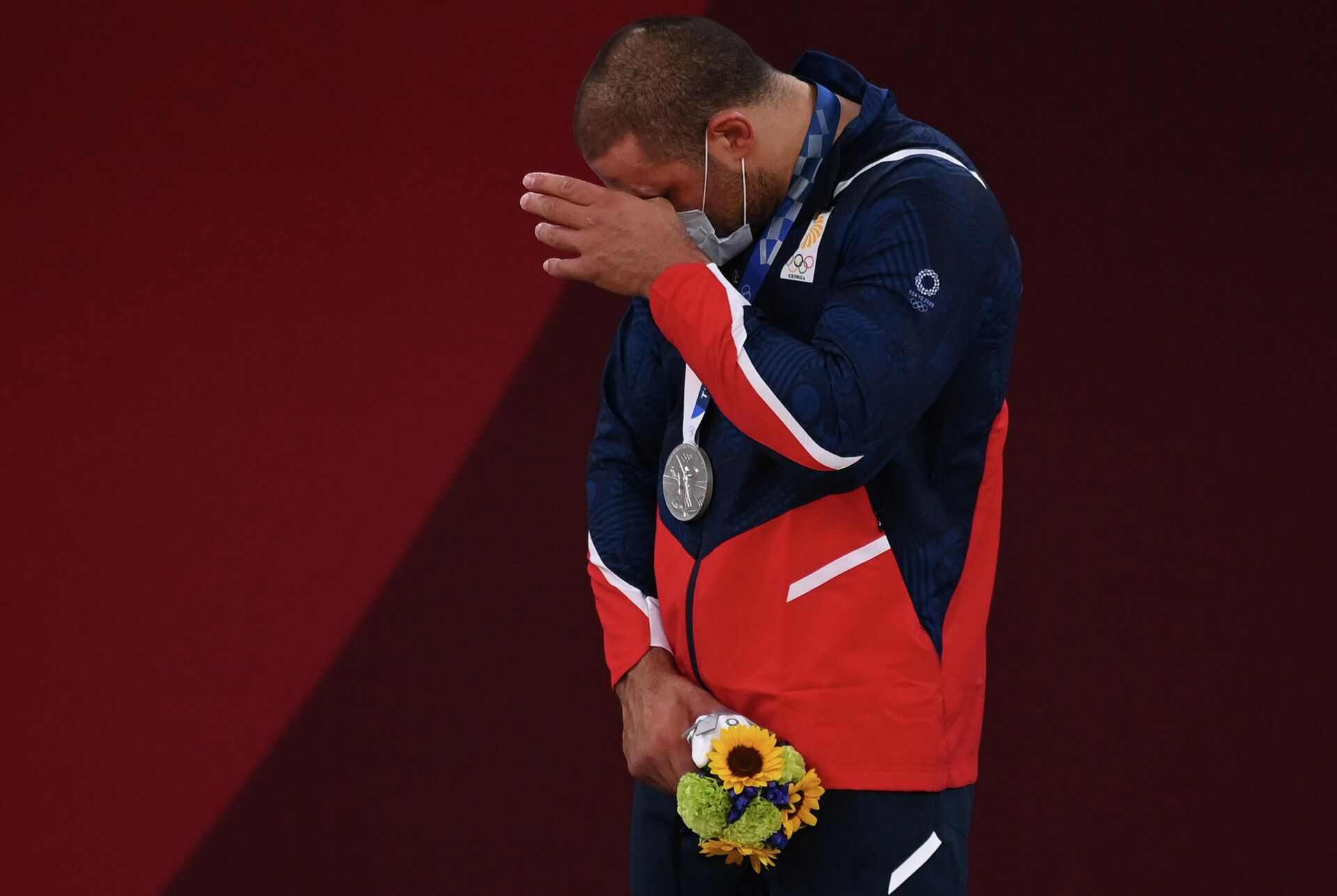 Гурам Тушишвили (Грузия), завоевавший серебряную медаль в соревнованиях по дзюдо - Sputnik Таджикистан, 1920, 09.08.2021