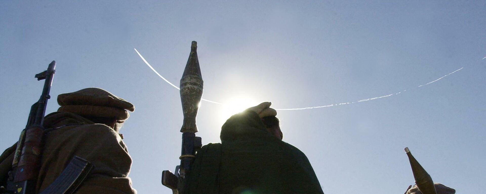 Вооруженные люди в Афганистане - Sputnik Тоҷикистон, 1920, 31.08.2021