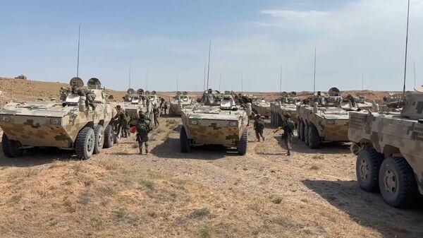 Практические действия военнослужащих России и Китая в ходе Сибу/Взаимодействие-2021 - Sputnik Таджикистан