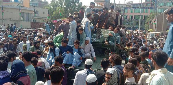Как только было достигнуто соглашение с (уже бывшими) властями, талибы заняли Кабул. - Sputnik Таджикистан