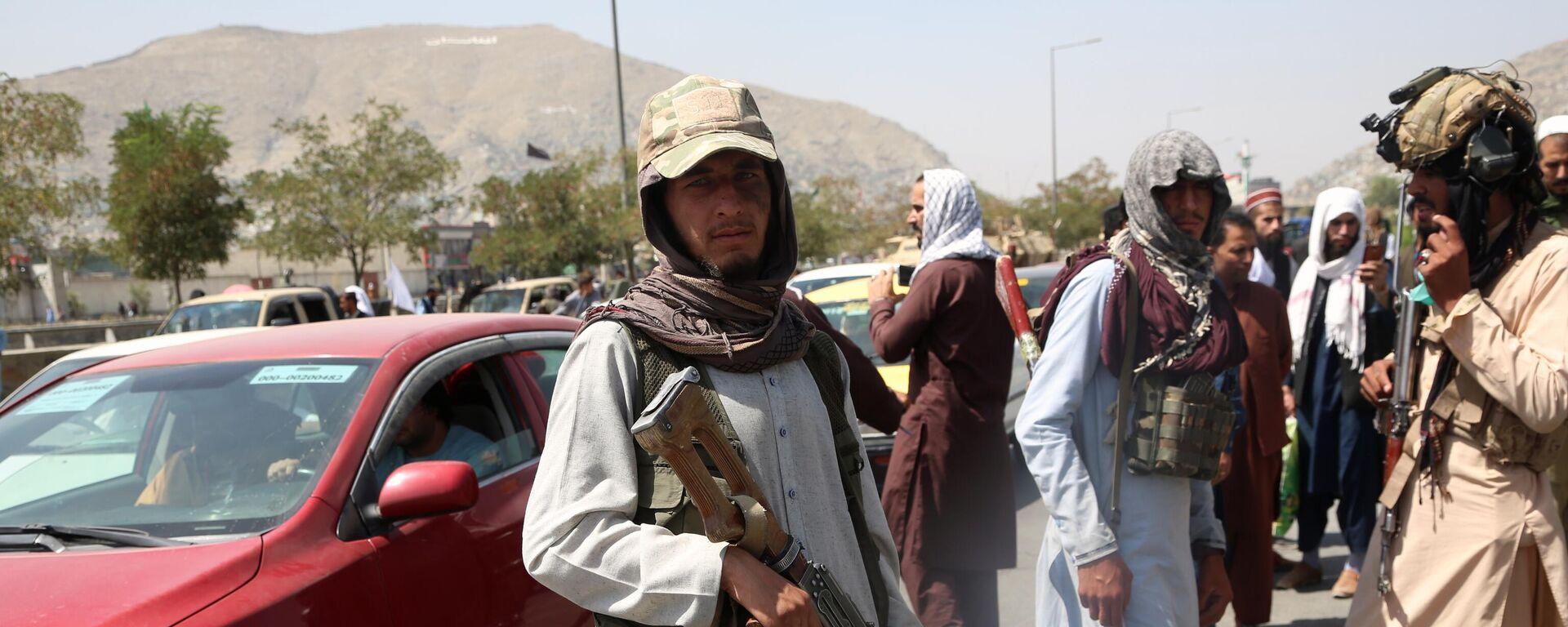 Боевики движения Талибан (террористическая организация, запрещена в России) в Кабуле - Sputnik Таджикистан, 1920, 18.08.2021