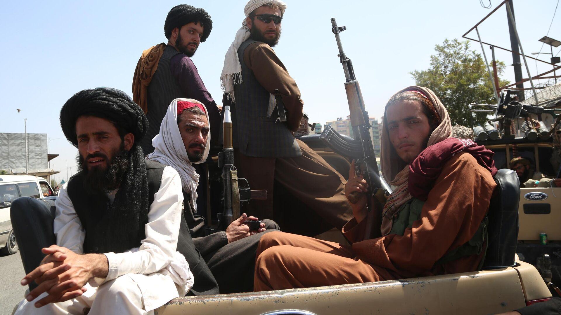 Боевики движения Талибан (террористическая организация, запрещена в России) в Кабуле - Sputnik Тоҷикистон, 1920, 29.08.2021