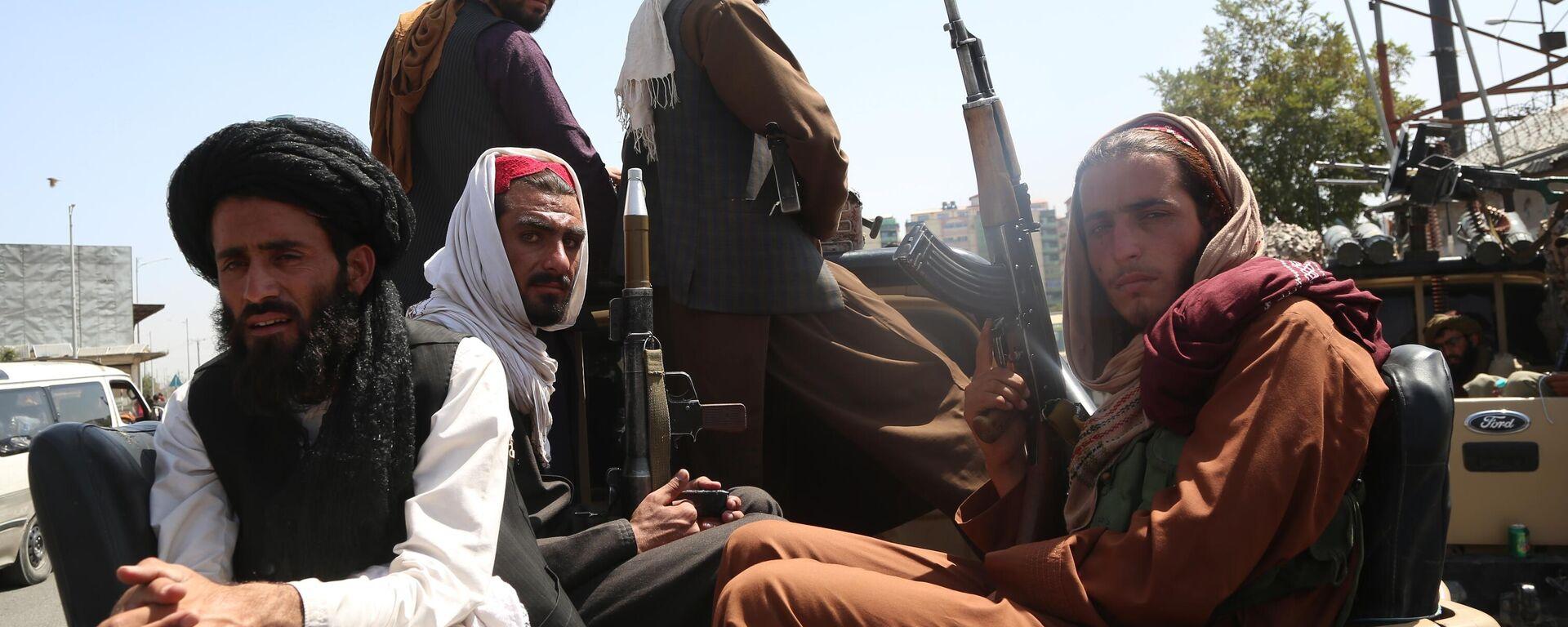 Боевики движения Талибан (террористическая организация, запрещена в России) в Кабуле - Sputnik Таджикистан, 1920, 08.09.2021
