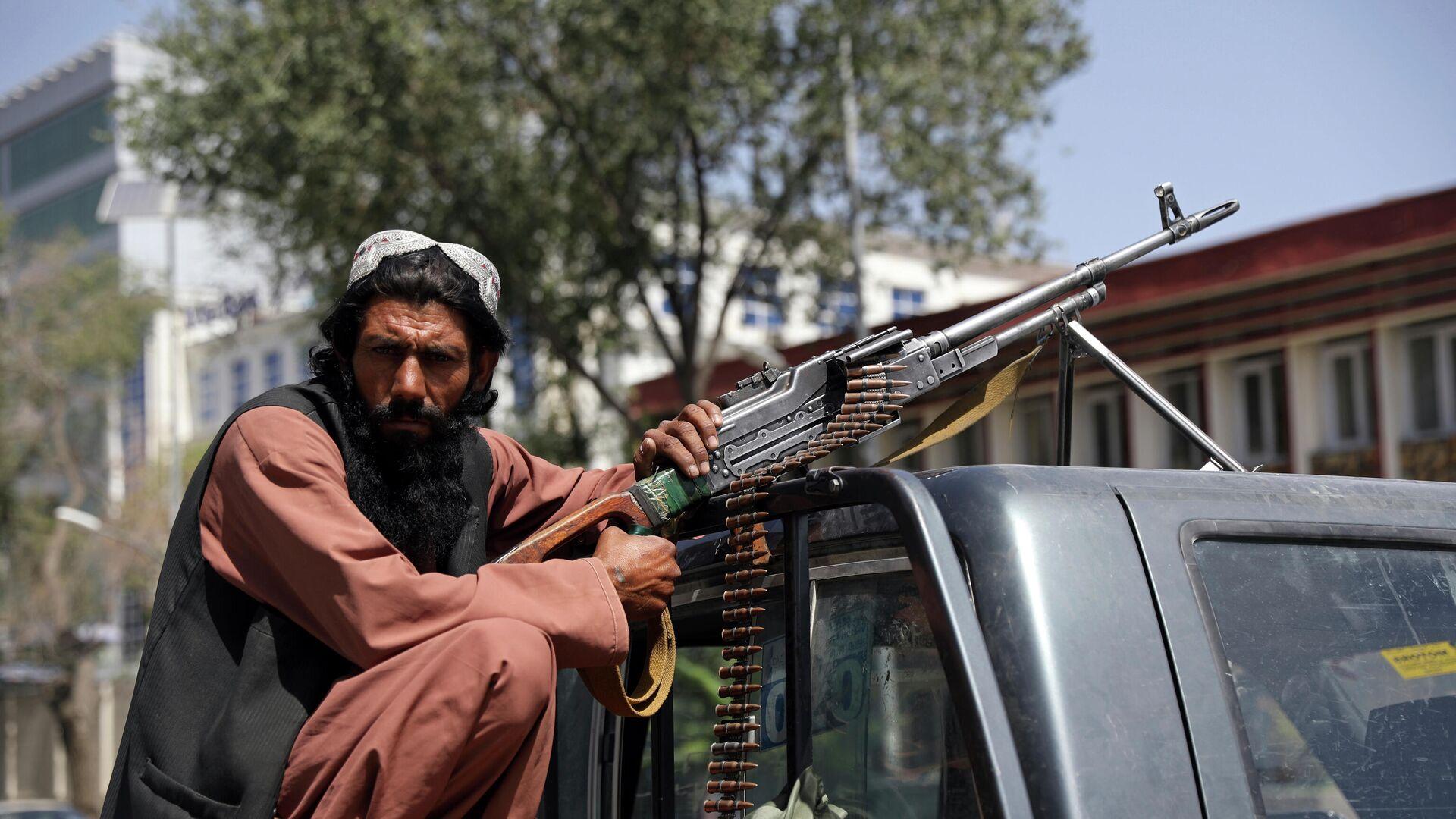 Боевики Талибана патрулируют район Вазир Акбар Хан в городе Кабул, Афганистан - Sputnik Таджикистан, 1920, 02.09.2021