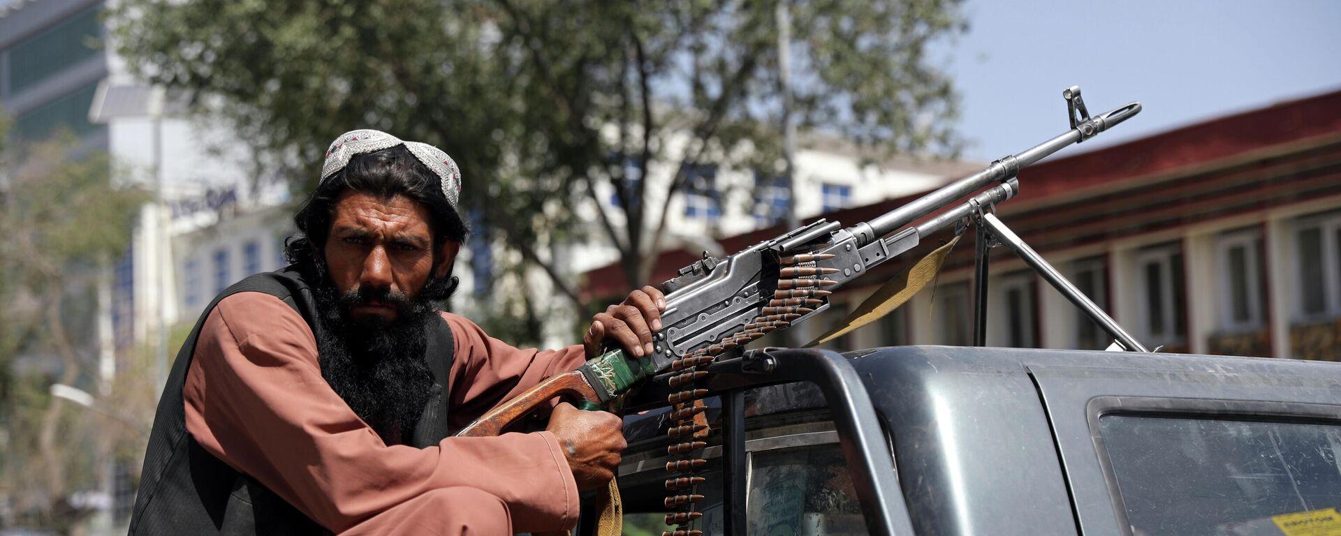 Боевики Талибана патрулируют район Вазир Акбар Хан в городе Кабул, Афганистан - Sputnik Тоҷикистон, 1920, 29.08.2021