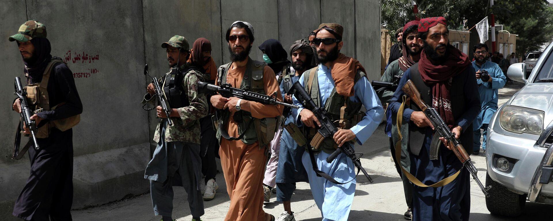 Боевики Талибана патрулируют район Вазир Акбар Хан в городе Кабул, Афганистан - Sputnik Таджикистан, 1920, 21.08.2021