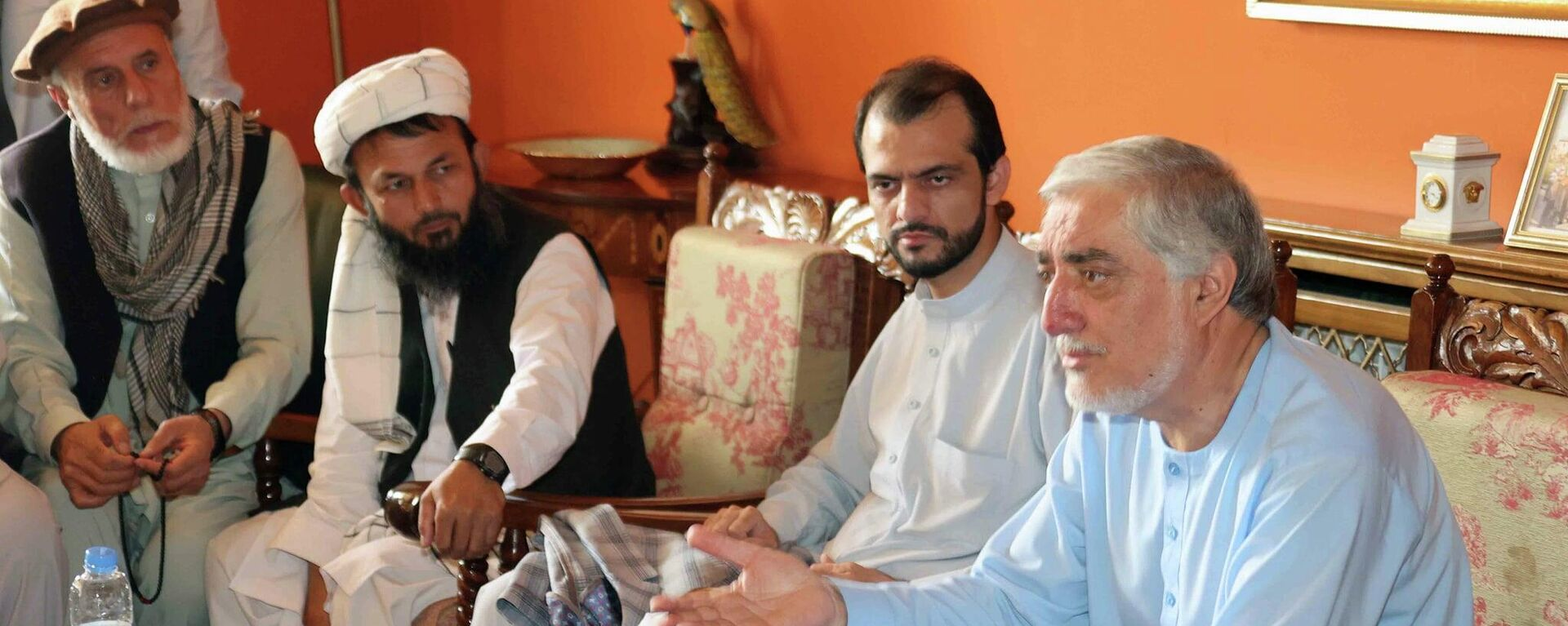 Экс-президент Карзай и глава совета по примирению в Афганистане Доктор Абдулла ведут переговоры с представителями Панджшера - Sputnik Таджикистан, 1920, 20.08.2021