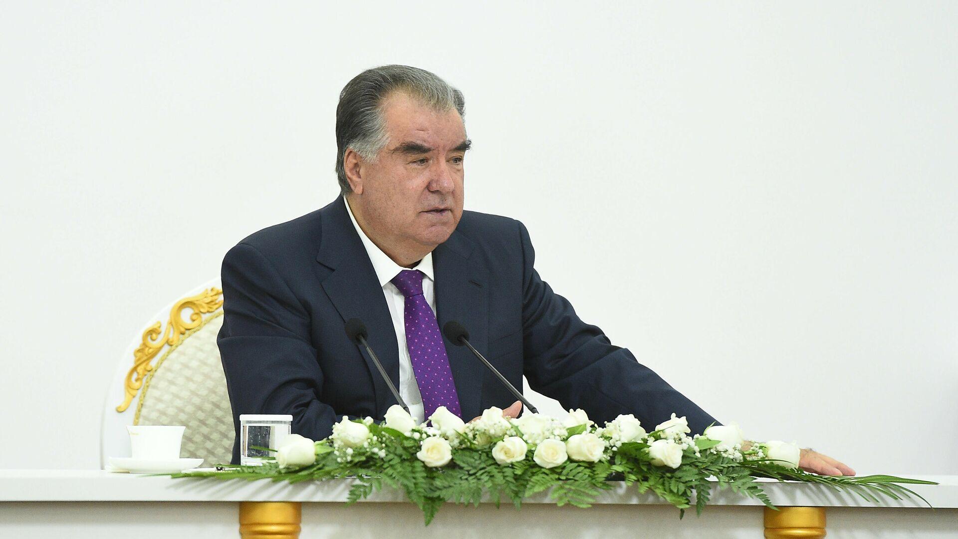 Президент Республики Таджикистан Эмомали Рахмон - Sputnik Тоҷикистон, 1920, 31.08.2021