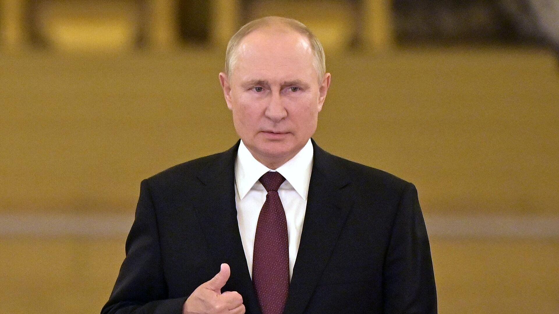 Президент РФ Владимир Путин - Sputnik Тоҷикистон, 1920, 21.08.2021