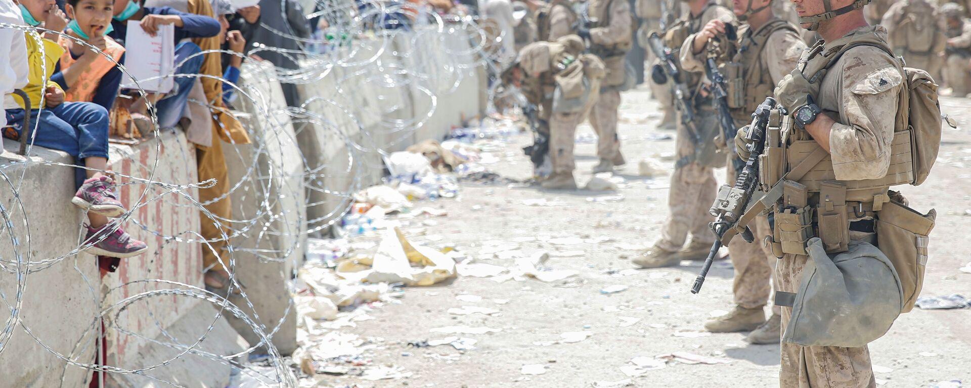Американские солдаты в аэропорту Кабула  - Sputnik Тоҷикистон, 1920, 24.08.2021