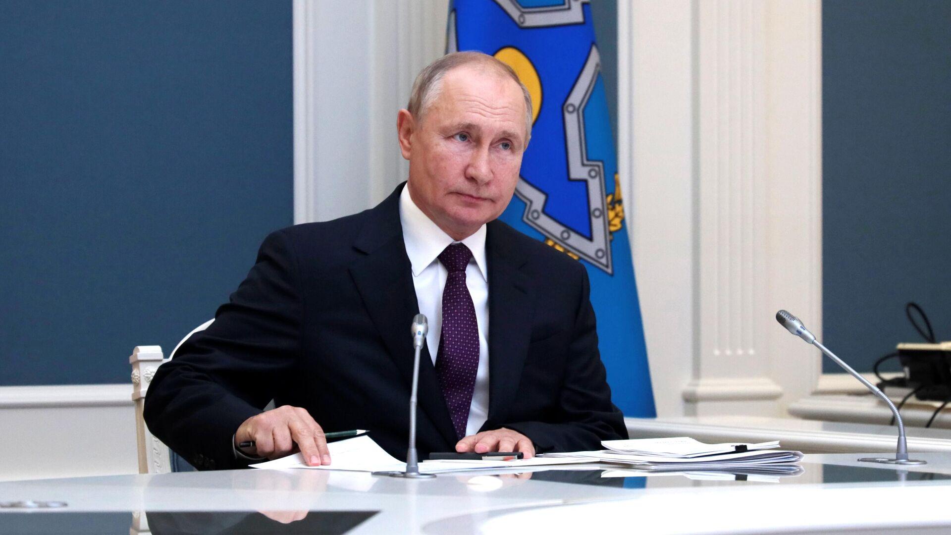 Президент РФ В. Путин - Sputnik Тоҷикистон, 1920, 16.09.2021