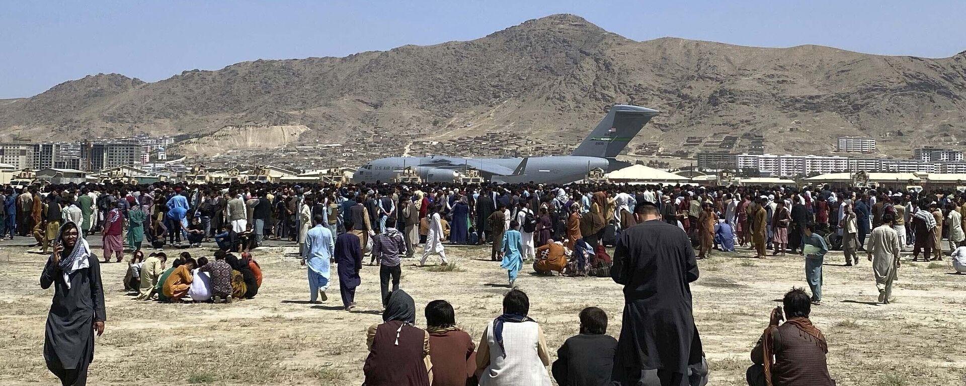 Самолет C-17 в аэропорту Кабула  - Sputnik Таджикистан, 1920, 27.08.2021