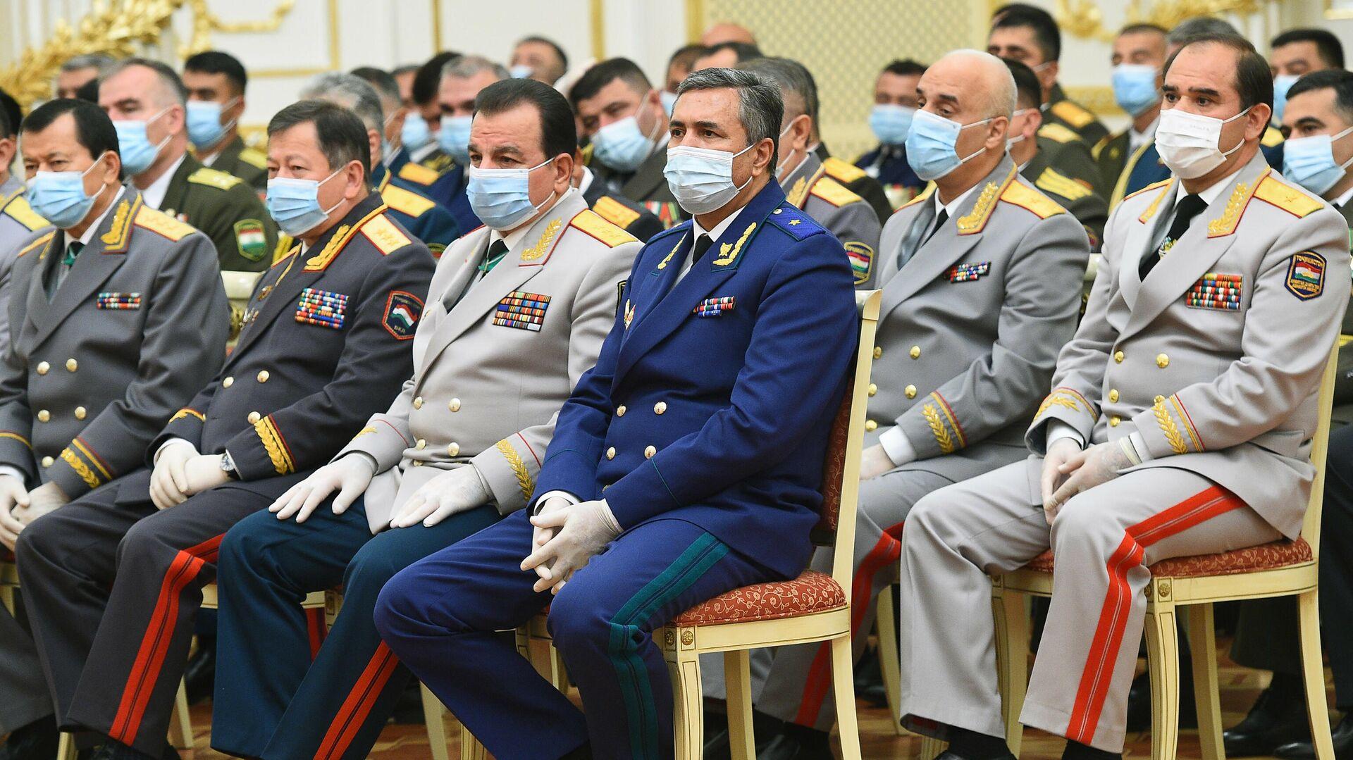 Церемония вручения государственных наград силовикам и военным Республики Таджикистан - Sputnik Таджикистан, 1920, 25.08.2021