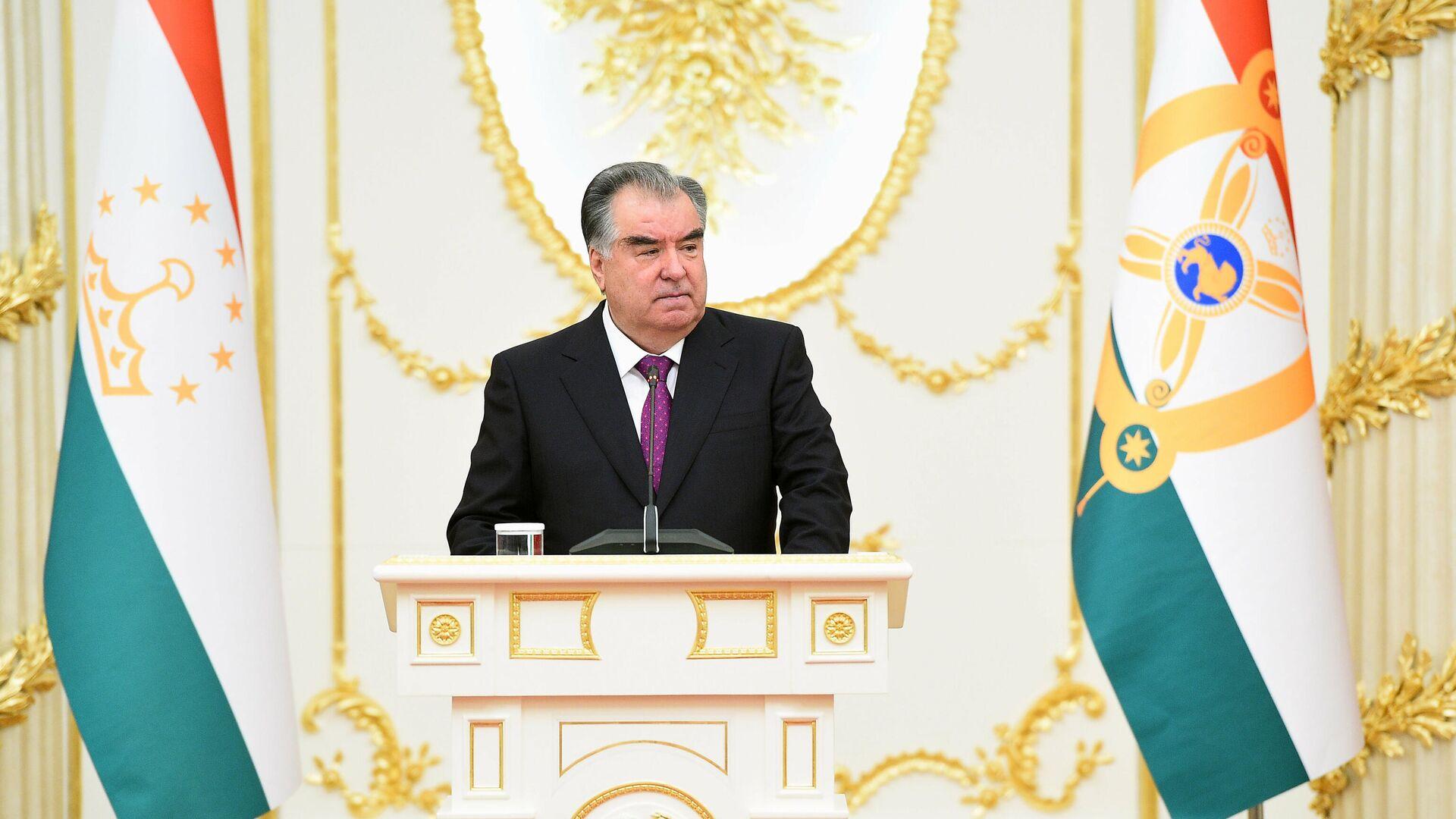 Президент Республики Таджикистан Эмомали Рахмон - Sputnik Таджикистан, 1920, 02.09.2021