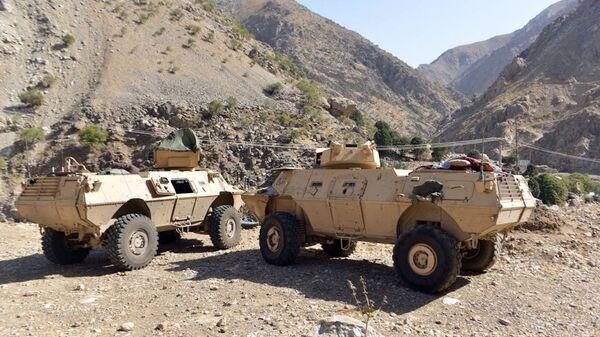Бронетранспортеры ополченцев в Панджшерской долине, Афганистан  - Sputnik Таджикистан