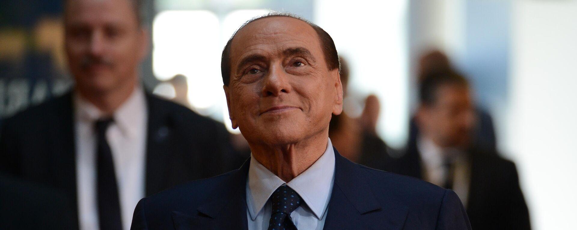 Бывший председатель Совета министров Италии Сильвио Берлускони - Sputnik Таджикистан, 1920, 27.08.2021