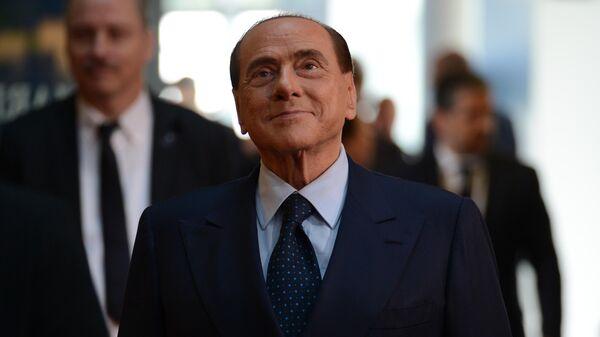 Бывший председатель Совета министров Италии Сильвио Берлускони - Sputnik Таджикистан