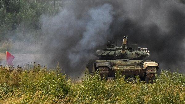 Форум Армия-2021. Танковый биатлон - Sputnik Таджикистан