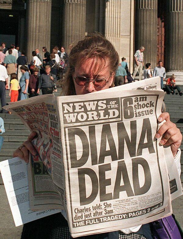 Смерть Дианы потрясла мир своей внезапностью. Тогда принцесса находилась на пике своей славы и под пристальным вниманием СМИ. - Sputnik Таджикистан