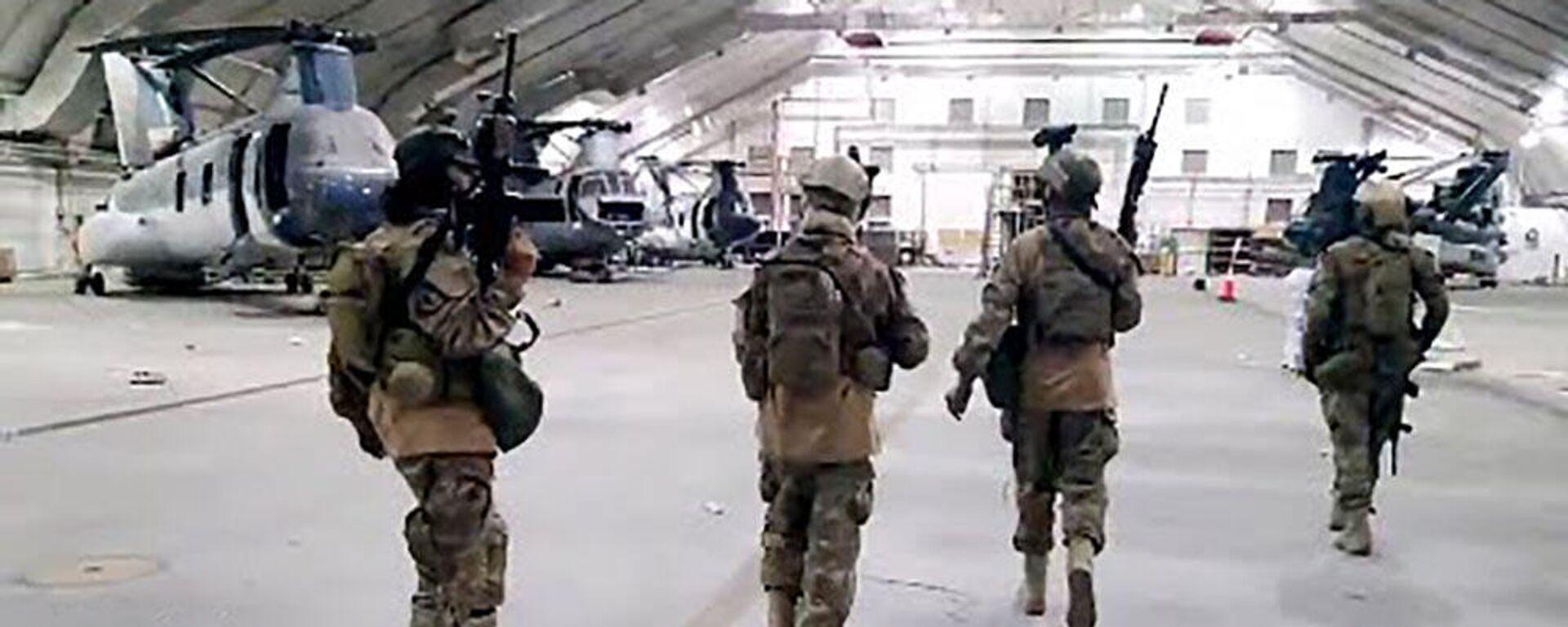 Боевики Талибана входят в контролируемую США часть аэропорта Кабула - Sputnik Тоҷикистон, 1920, 31.08.2021