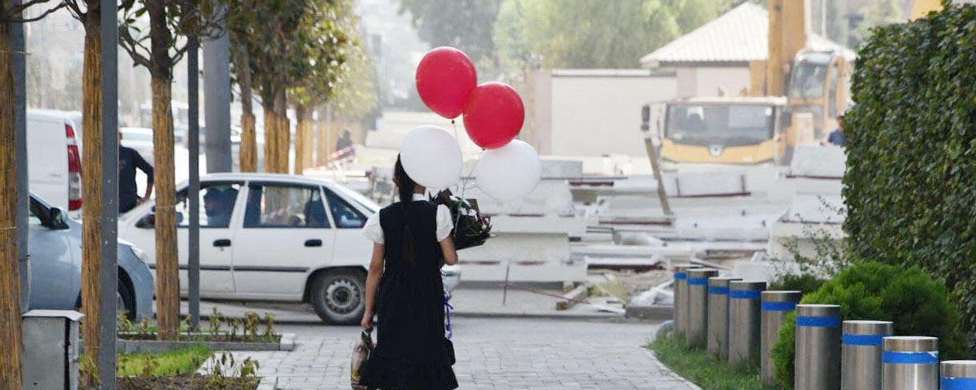 1 сентября, день знаний в Душанбе - Sputnik Таджикистан, 1920, 04.09.2021