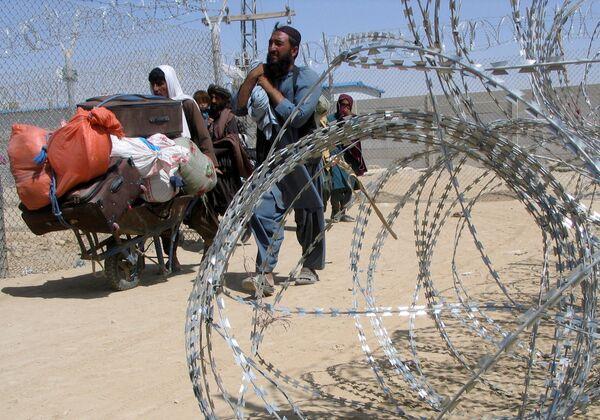 """Афганцев не пугает неизвестное будущее: куда страшнее оставаться в стране под властью """"Талибана"""". - Sputnik Таджикистан"""