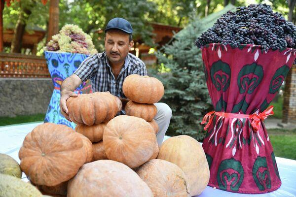 Также фестиваль стал прекрасной площадкой для аграриев, чтобы продемонстрировать свой товар. - Sputnik Таджикистан
