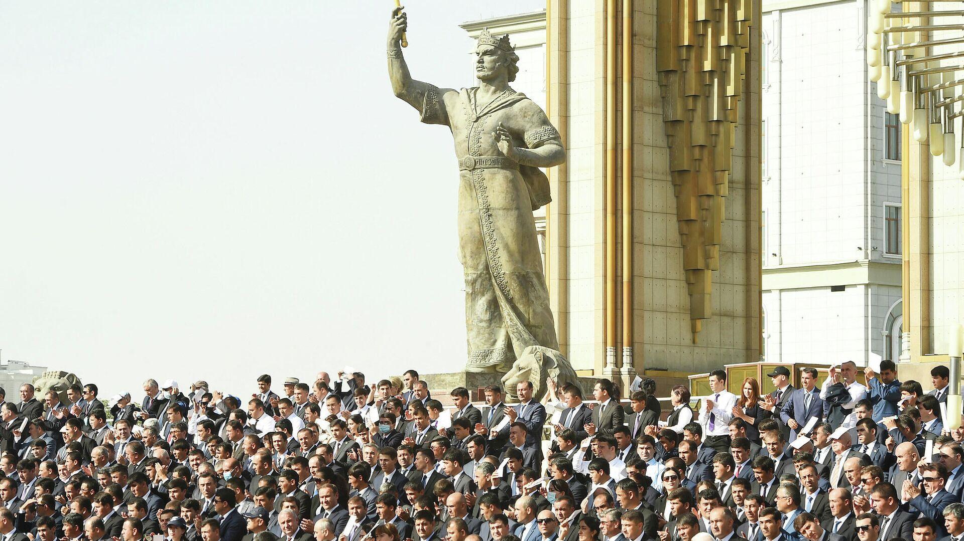 Парад в Душанбе в честь 30-летия государственной независимости Республики Таджикистан - Sputnik Тоҷикистон, 1920, 11.09.2021