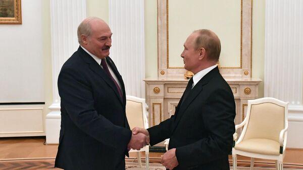 Президент РФ Владимир Путин и президент Белоруссии Александр Лукашенко - Sputnik Таджикистан
