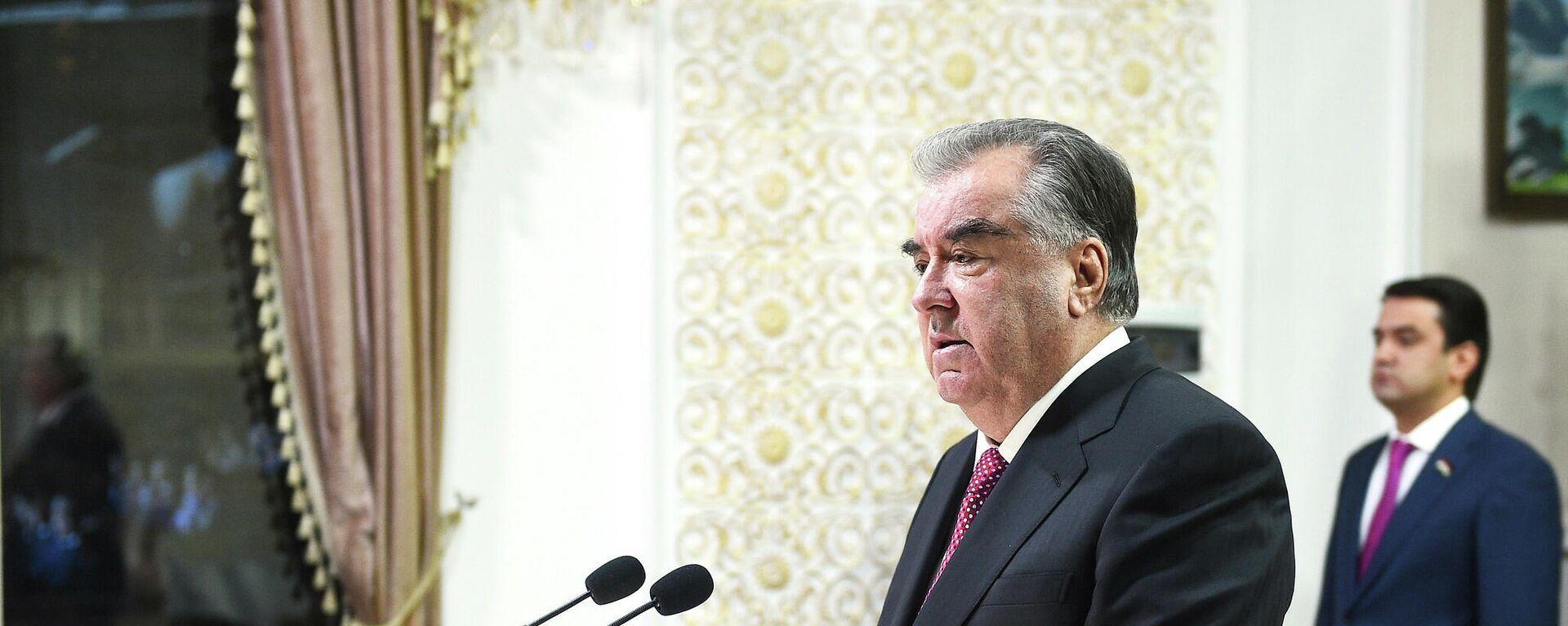 Президент Республики Таджикистан Эмомали Рахмон - Sputnik Тоҷикистон, 1920, 16.09.2021