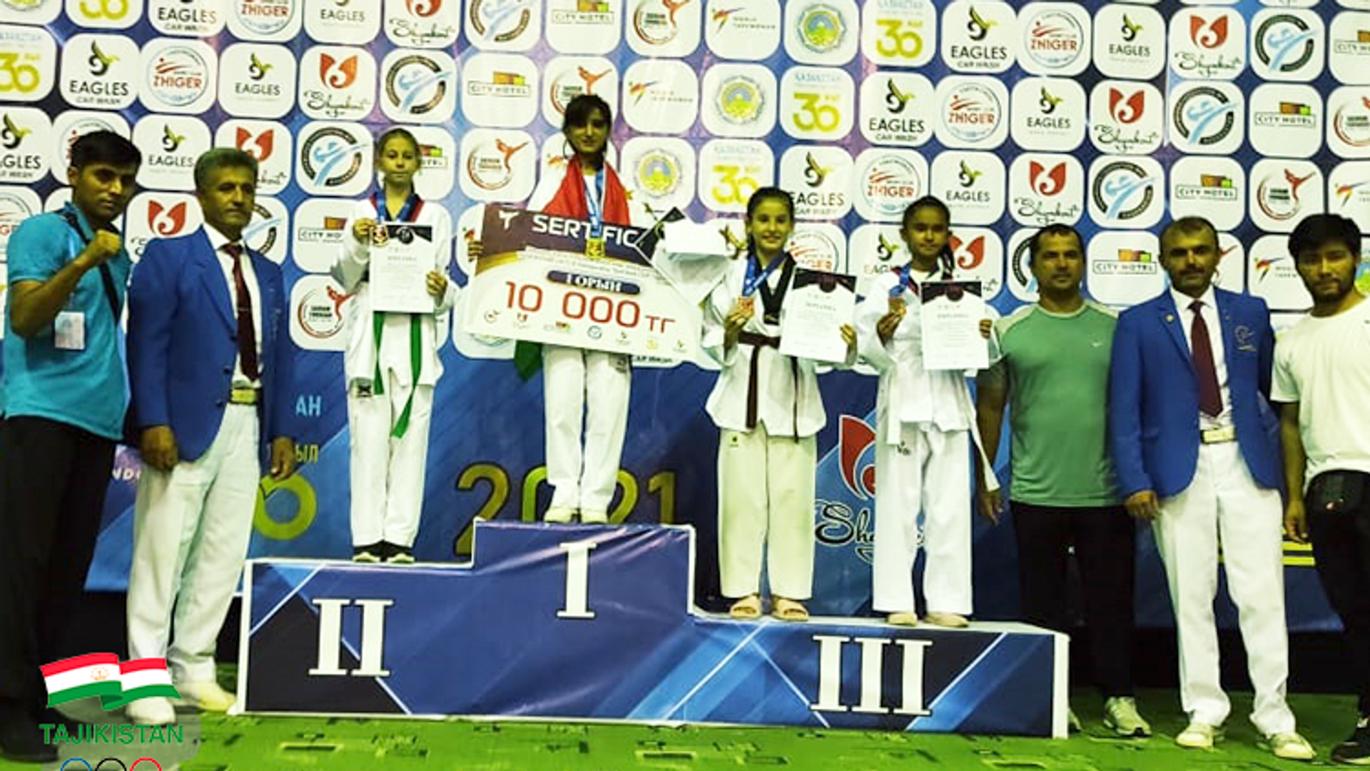 Таджикские тхэквондисты завоевали 6 медалей на турнире в Казахстане  - Sputnik Таджикистан, 1920, 11.09.2021