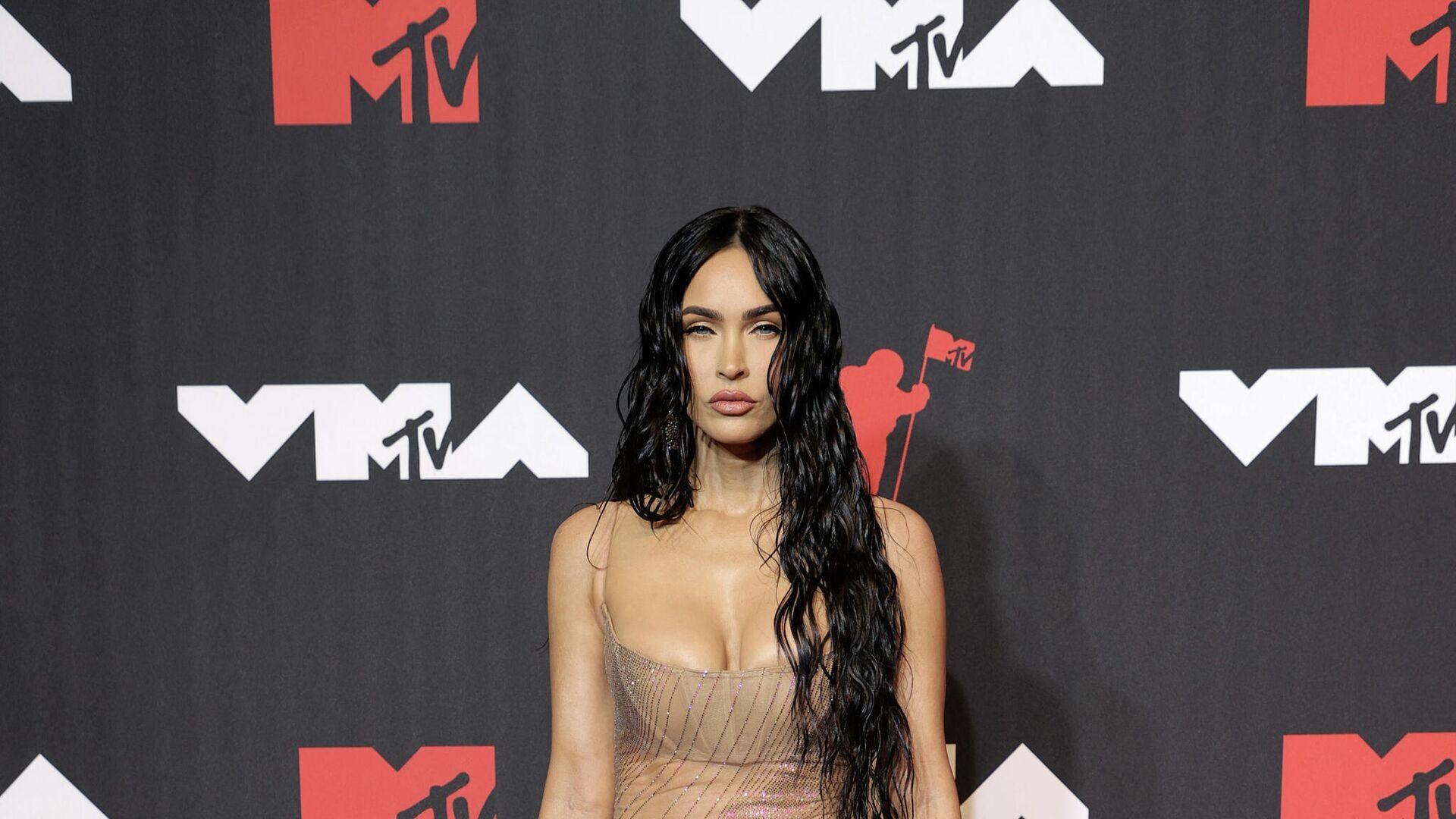 Меган Фокс на церемонии вручения премии MTV Video Music Awards 2021 - Sputnik Таджикистан, 1920, 13.09.2021