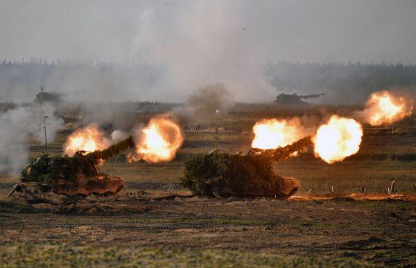 Военные двух стран отработают ведение маневренной обороны и нанесение сосредоточенного огневого удара по вклинившейся группировке условного противника. - Sputnik Таджикистан
