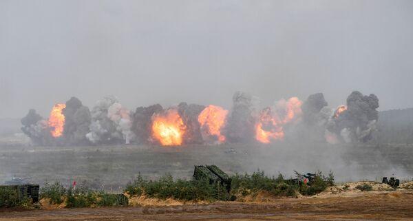 Учения являются плановыми и проводятся раз в два года в соответствии с решением президента Российской Федерации и президента Беларуси от 29 сентября 2009 года. - Sputnik Таджикистан