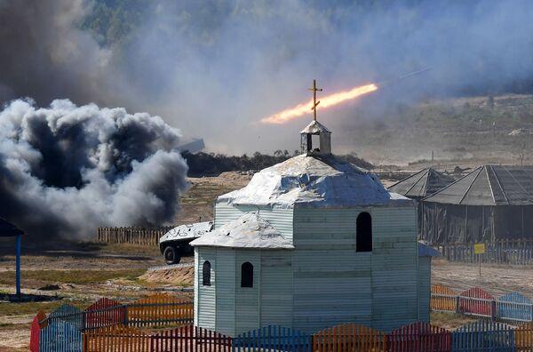 """Сообщается, что """"Запад - 2021"""" носит сугубо оборонительный характер, и его проведение не несет никакой угрозы ни для европейского сообщества в целом, ни для соседних стран в частности. - Sputnik Таджикистан"""