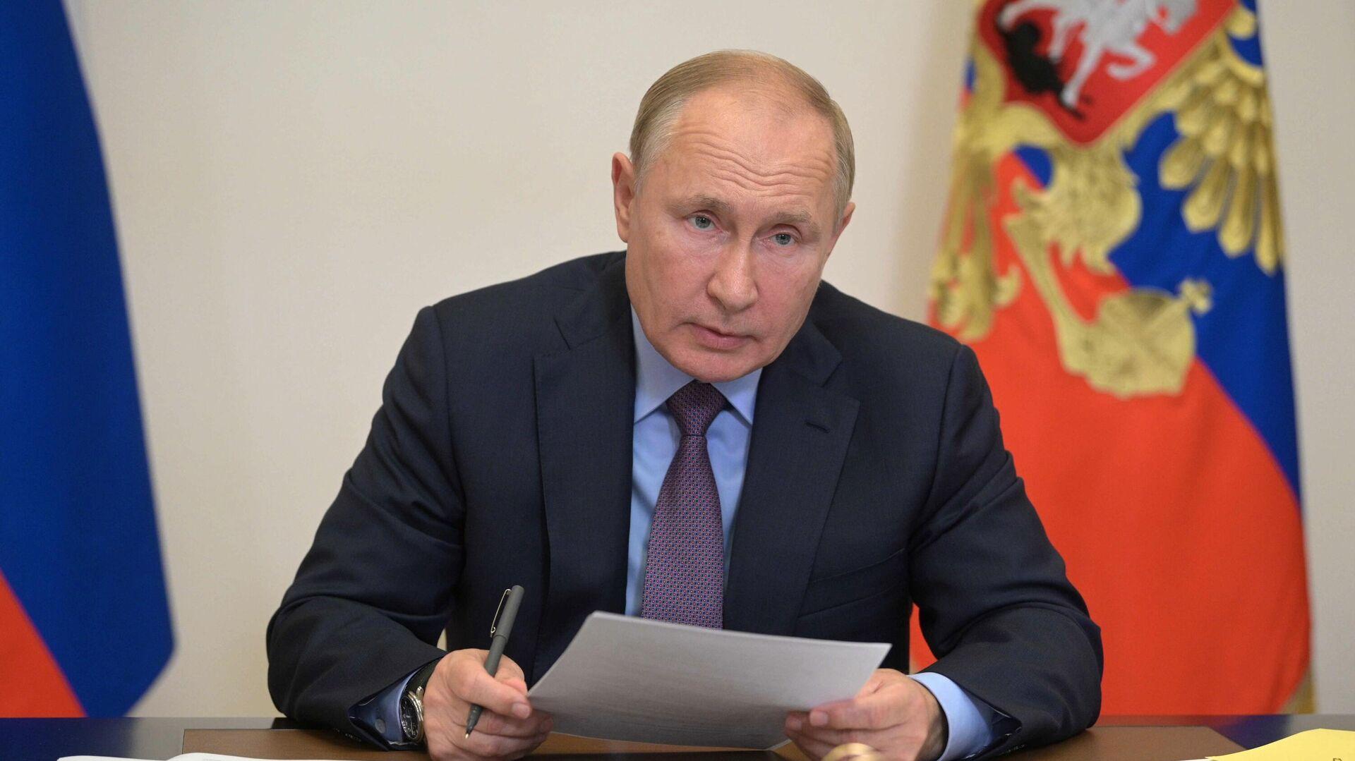 Президент РФ В. Путин  - Sputnik Таджикистан, 1920, 13.10.2021