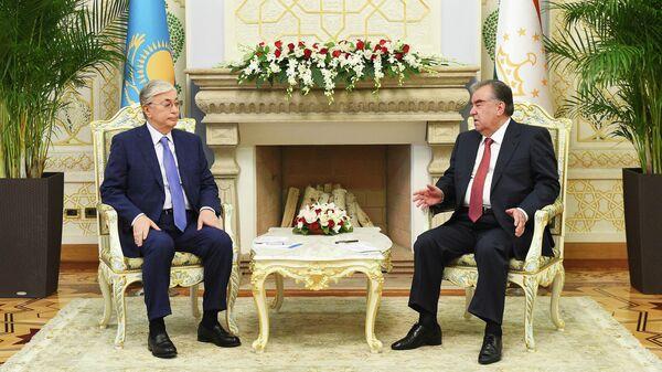 Президент Касым-Жомарт Токаев и Президент Таджикистана Эмомали Рахмон - Sputnik Таджикистан