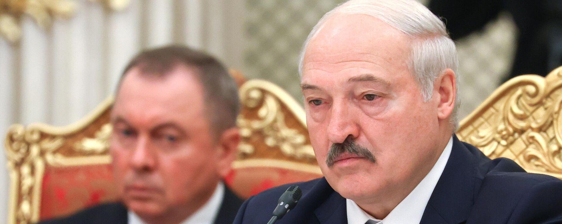 Президент Белоруссии Александр Лукашенко - Sputnik Тоҷикистон, 1920, 01.10.2021