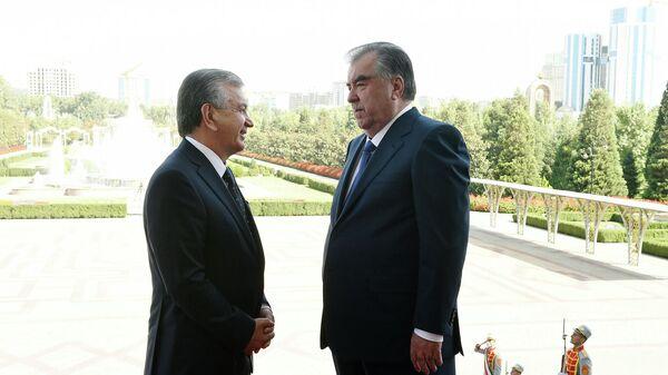 Президент Узбекистана Шавкат Мирзиеев и президент Таджикистана Эмомали Рахмон - Sputnik Тоҷикистон