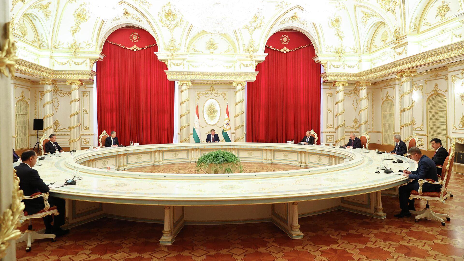 Заседание Совета министров иностранных дел государств - членов ШОС - Sputnik Таджикистан, 1920, 17.09.2021
