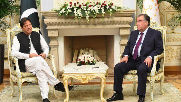 Эмомали Рахмон, президент РТ и Имран Хан Премьер-министр Пакистана  - Sputnik Тоҷикистон