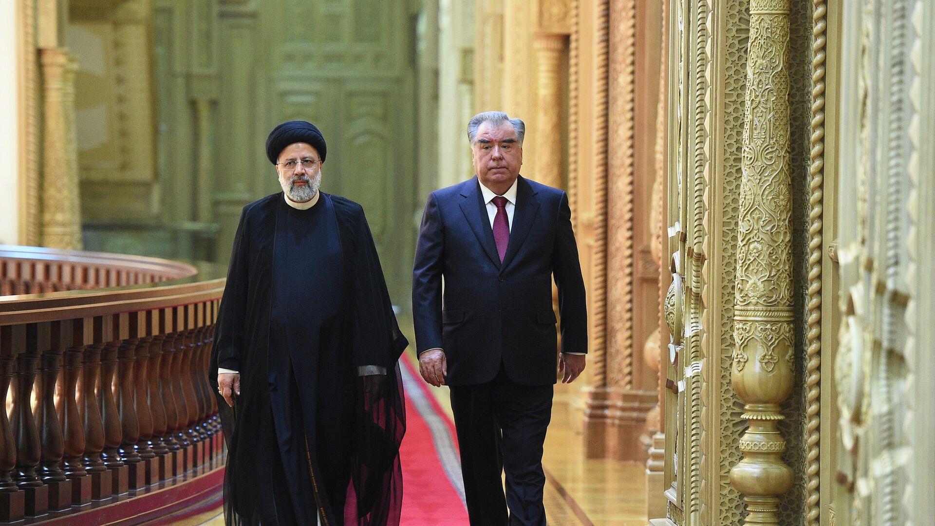 Президент Таджикистана Эмомали Рахмон и президент Ирана Ибрахим Раиси - Sputnik Таджикистан, 1920, 18.09.2021