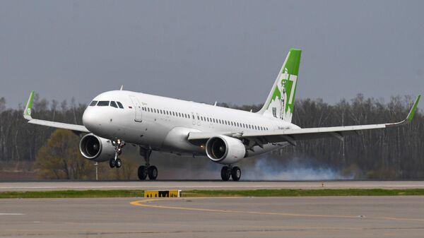 Прилет самолета S7 Airlines, архивное фото - Sputnik Тоҷикистон