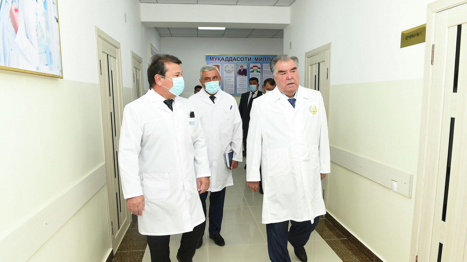 Эмомали Рахмон ввел в эксплуатацию родильное отделение центральной больницы Нурободского района - Sputnik Таджикистан, 1920, 20.09.2021